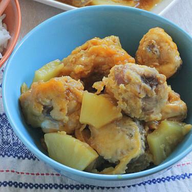 Pollo con piña al estilo chino, la receta típica y fácil para acompañar el arroz tres delicias (o mojar pan)