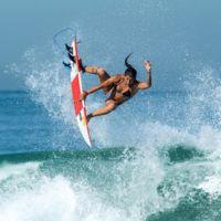 La campeona de surf de Brasil se lamenta de no encontrar patrocinadores por no ser una top model