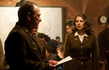 tommy-lee-jones-hayley-atwell