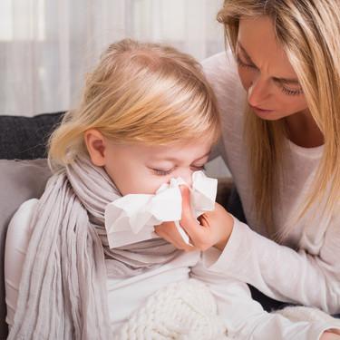 Aulas medio vacías y urgencias llenas: la epidemia de gripe se ceba con los niños