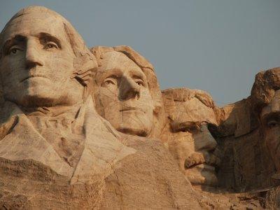 Rushmore: los presidentes de piedra, la cámara secreta y la historia que nunca fue tallada