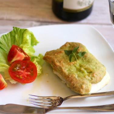 Lomos de merluza con costra de mayopesto gratinada, la receta de pescado para deslumbrar a la familia