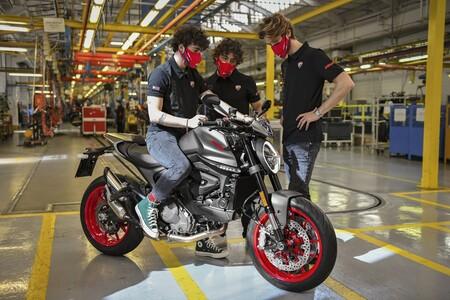 La nueva Ducati Monster no sólo será más ligera, también más barata que antes: desde 11.590 euros