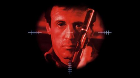 'Asesinos': Sylvester Stallone se enfrenta a Antonio Banderas en una atípica película de acción de Richard Donner