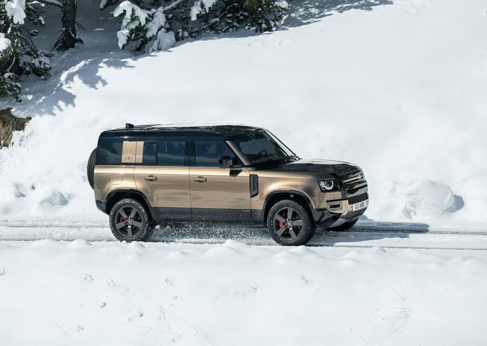 Foto de Land Rover Defender 2020 (45/60)