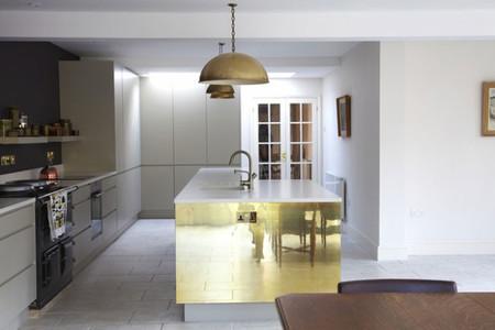 Decoración en bronce: un toque sofisticado y diferente en tu cocina