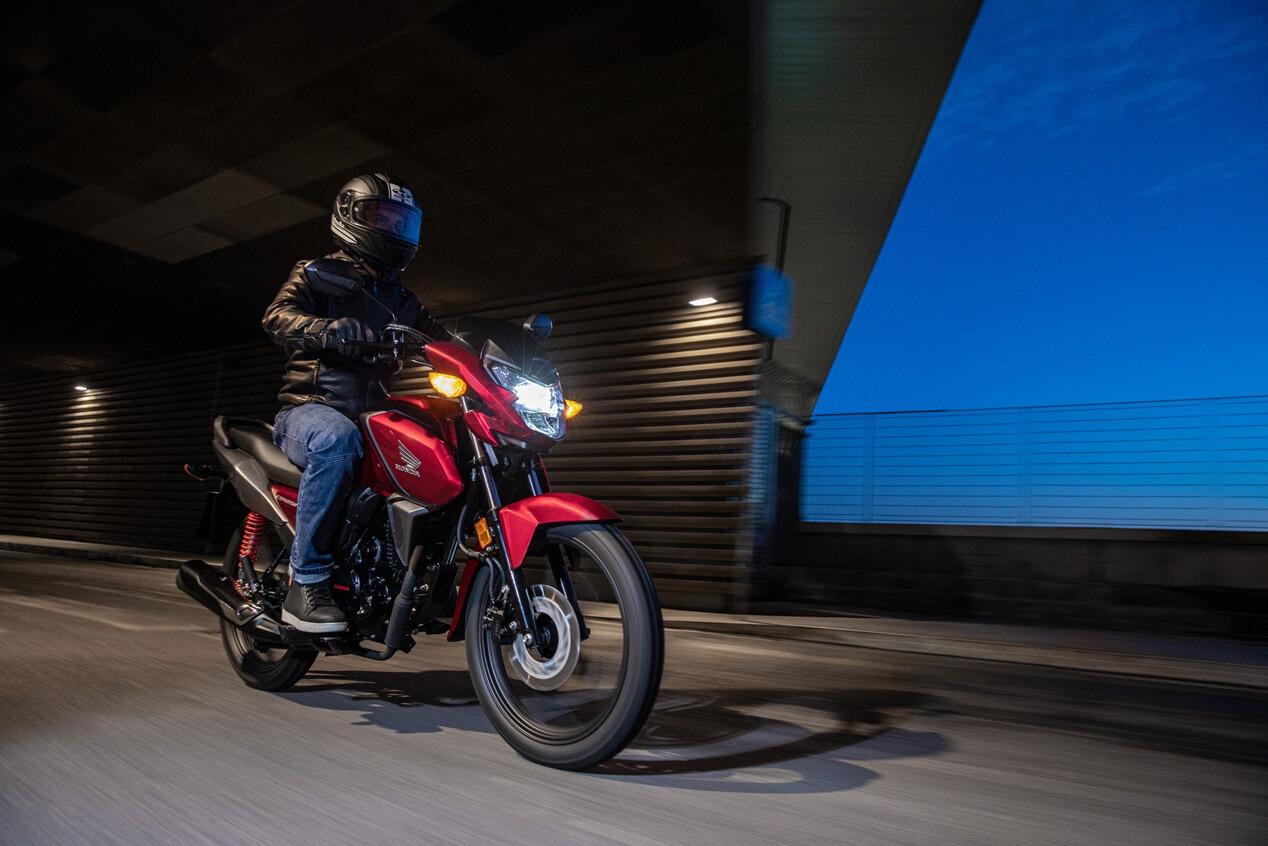 Foto de Honda CB125F 2021 (4/8)