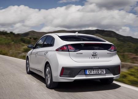 Hyundai Ioniq 2020 8