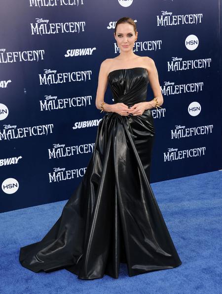 Angelina Jolie se inspira en el gótico-punk para el estreno de Maléfica