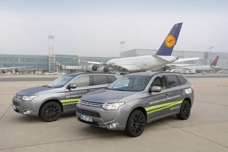 El Mitsubishi Outlander PHEV hace escala en el aeropuerto de Frankfurt