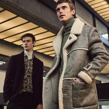Quince de las mejores chaquetas y abrigos con forro de borrego de Zara para este invierno