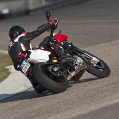 Foto 68 de 111 de la galería husqvarna-nuda-900-y-900r-datos-y-fotos-oficiales en Motorpasion Moto