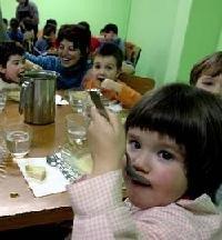 Educar a los niños sobre los productos de la agricultura ecológica en las escuelas
