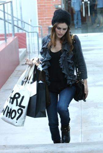 Rachel Bilson nos enseña el look de moda, Lagerfeld