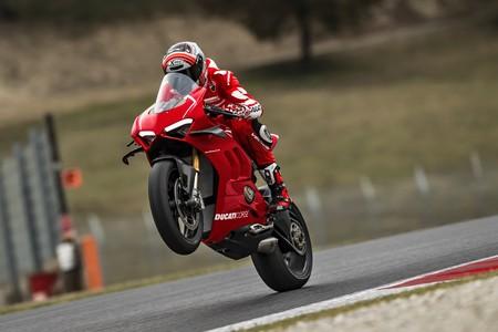Ducati Panigale V4 R 2019 034