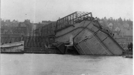 Bridgewreck1905