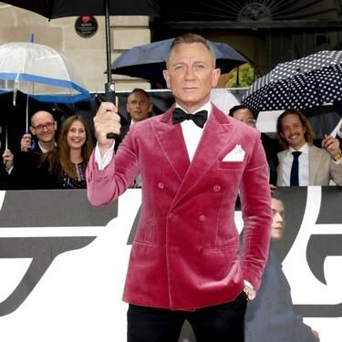 Daniel Craig deslumbra como James Bond en la premiere de 'No Time to Die' con un look que podemos replicar para sumar color al invierno