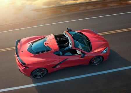 Chevrolet Corvette C8 tendrá volante a la derecha