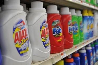 ¿Qué hacer si el niño ingiere algún producto de limpieza?