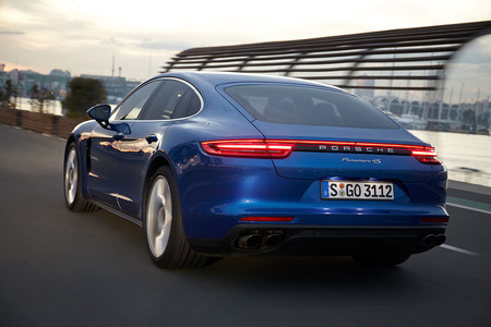 Porsche Panamera 02