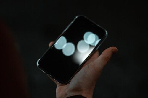 Leakers, topos y redención: la última pirueta de un filtrador es decir que actuó como agente doble de Apple, según Vice