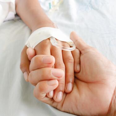 El tuit viral de un sanitario contando cómo salvaron la vida de Álvaro, un niño de tres años en coma