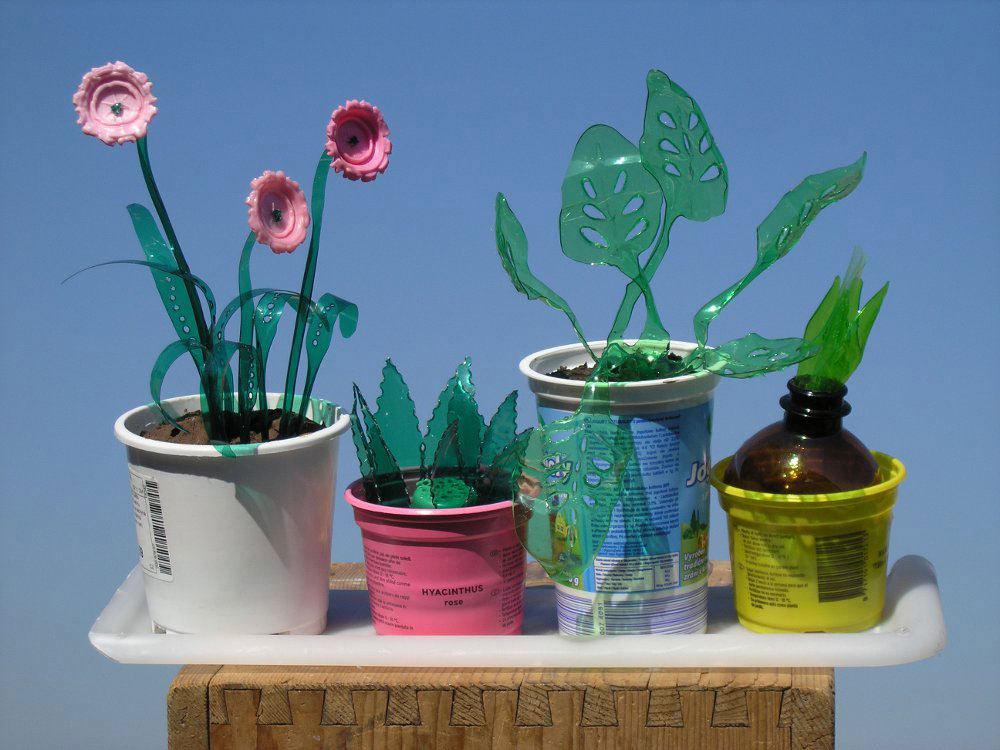 Foto de Plantas artificiales hechas con botellas de plástico (4/7)
