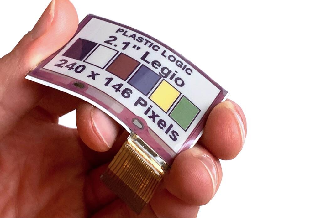 Crean la que dicen ser la primera pantalla de tinta electrónica flexible y a color