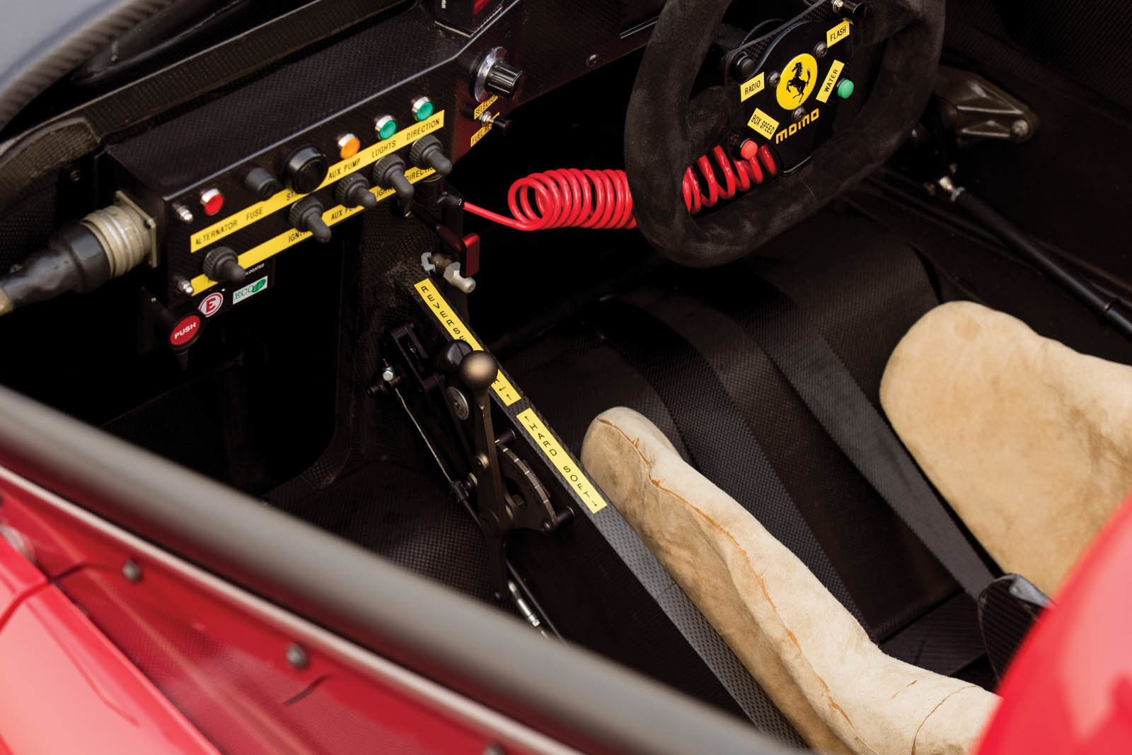 Foto de Ferrari 333 SP de 1994, a subasta (12/24)