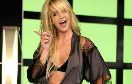 El sueño de Britney Spears: conocer a la reina Isabel II