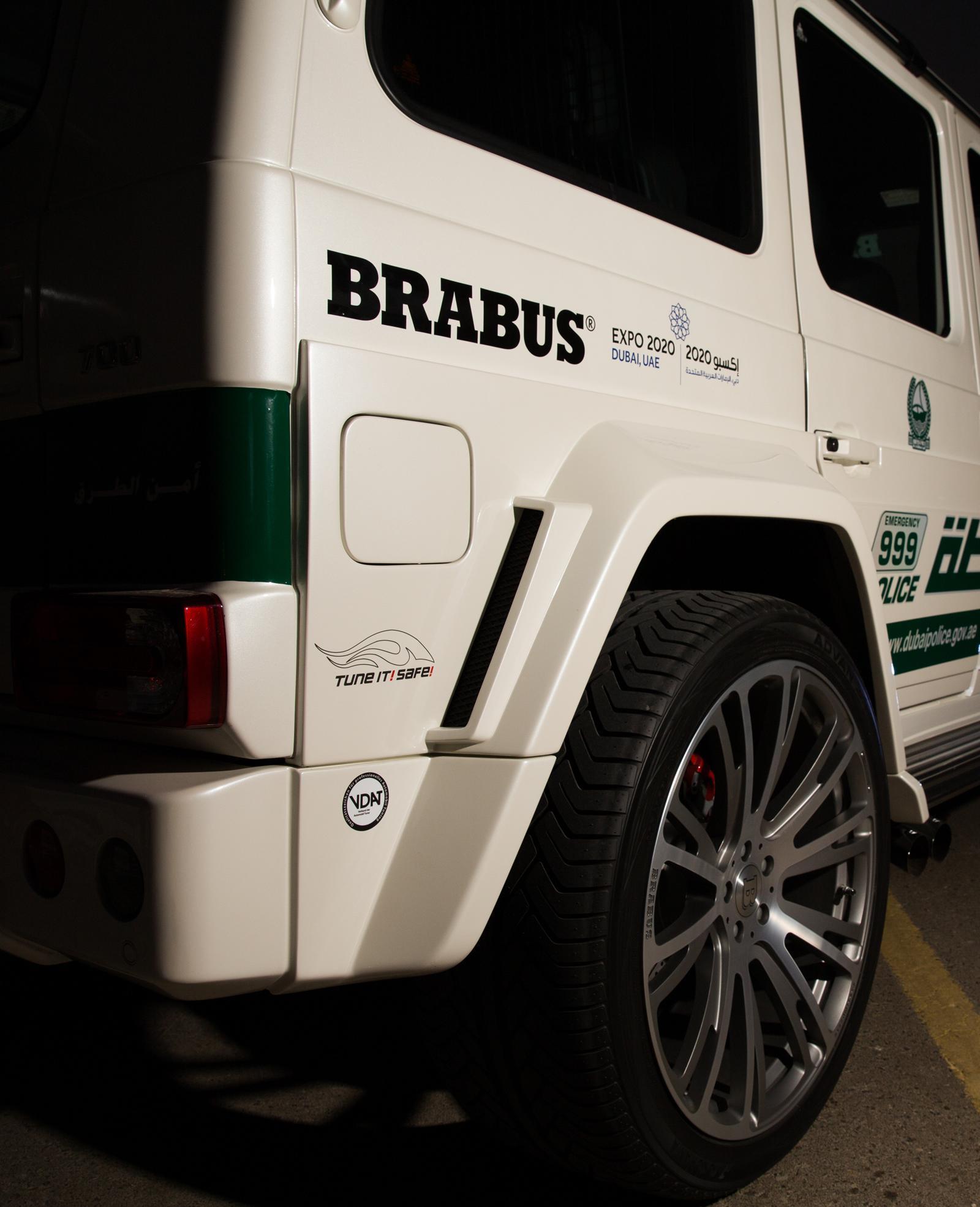 Foto de Brabus B63S–700 Widestar Policía Dubái (13/30)