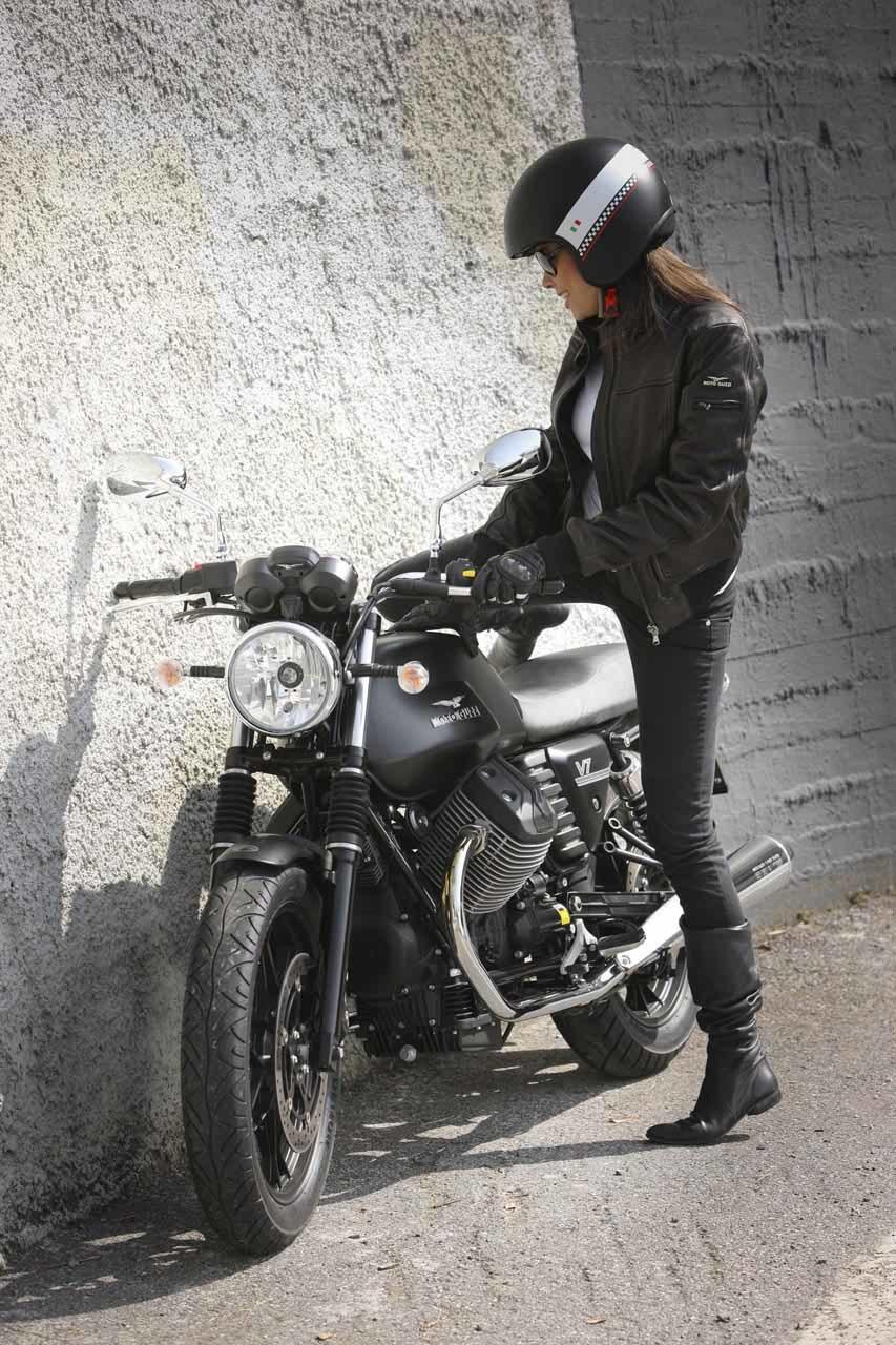 Foto de Moto Guzzi V7 Stone (51/57)