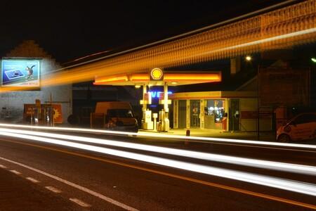 Gasolinera Noche