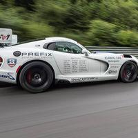 El Viper no se quiere despedir sin romper el récord del Nürburgring