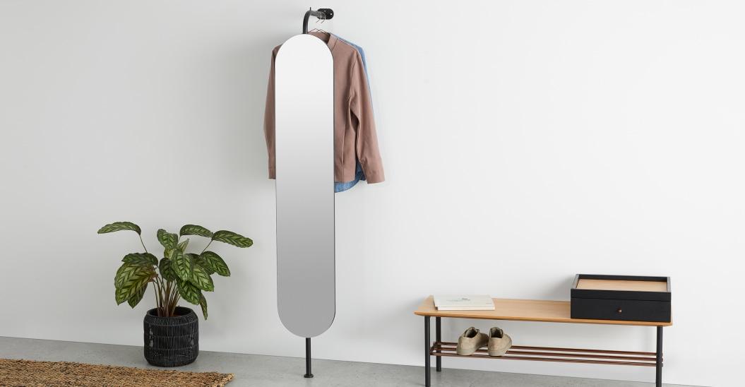 Espejo vestidor de pared con perchero