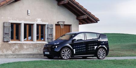 Mientras conduces tu coche se cargará con energía solar, es la start-up de Sono Motors