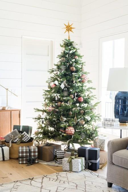 Decora Como Un Profesional Estos Disenadores De Interiores Nos Inspiran A Decorar El Arbol De Navidad Perfecto
