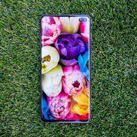 La familia Galaxy S10 comienza a recibir la actualización oficial a Android 10 con capa One UI 2.0, pero en México aún esperamos