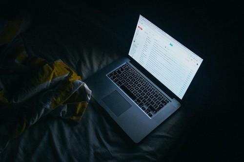 Cómo usar los comandos de búsqueda de Gmail para liberar espacio
