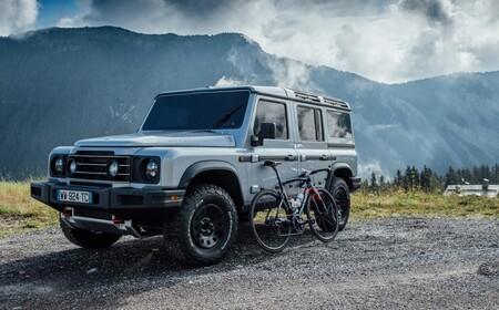 La fábrica de coches eléctricos de Daimler ya tiene dueño: Ineos fabricará en Hambach su 'copia' del Land Rover Defender