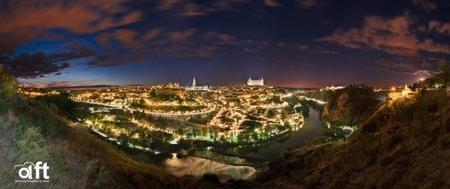 50 fotógrafos iluminando Toledo = impresionante panorámica nocturna