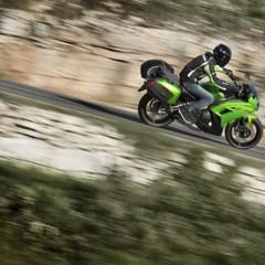 Foto 10 de 52 de la galería kawasaki-er-6f-2012-version-carenada-y-mas-agresiva en Motorpasion Moto
