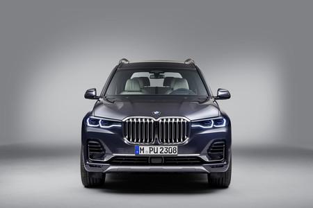 BMW X7 frontal estático