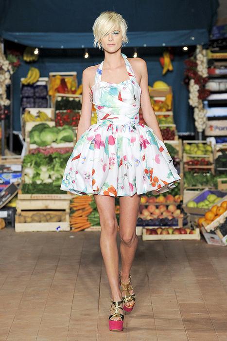 Foto de Moschino Cheap and Chic Primavera-Verano 2012 (23/28)