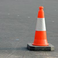 El Tesla Model 3 puede detectar tan bien los conos que te confundirá con uno si llevas una camiseta naranja