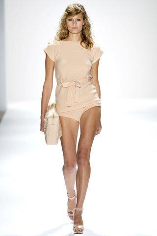 Jill Stuart Primavera-Verano 2012: entre lo preppy y el buen rollito