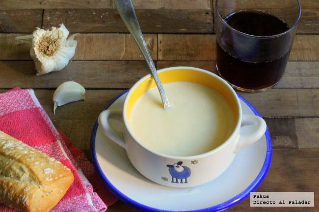 Receta de ajoblanco de chufas, la refrescante sopa fría que te enamorará este verano