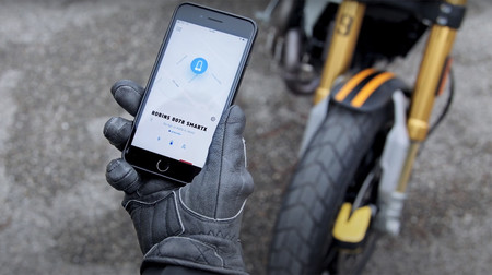 Este sistema antirrobo sin llave para el disco de freno de la moto se controla con el móvil y cuesta menos de 250 euros
