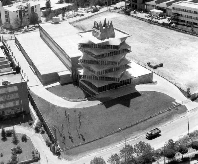 Edificio De Laboratorios Jorba La Pagoda