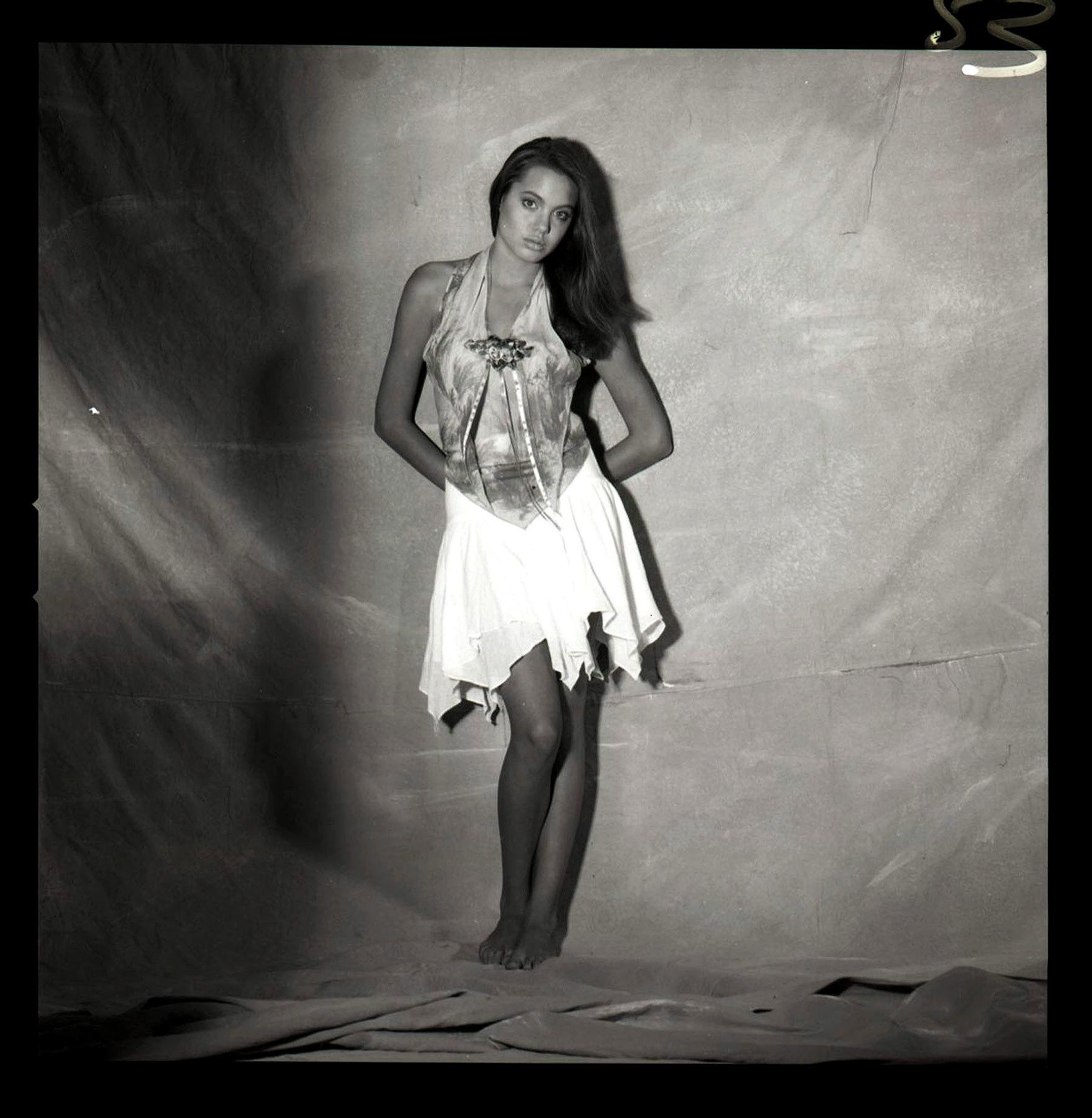Foto de Angelina Jolie 15 años (6/7)